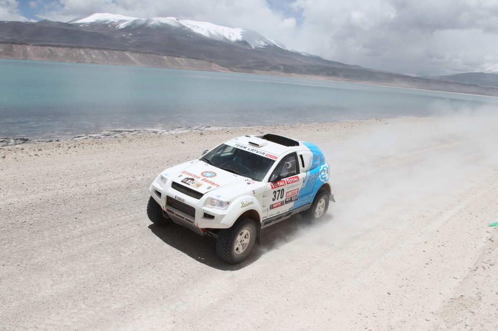 Electric OSCar eO During Dakar 2012